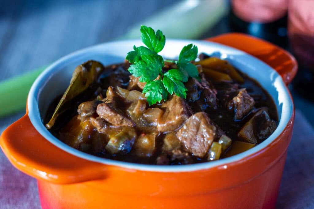 how to cook braising steak in slow cooker